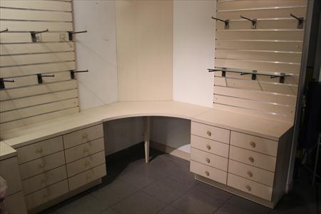 materiel neuf pour magasin 13010 marseille bouches du rhone provence alpes cote d 39 azur. Black Bedroom Furniture Sets. Home Design Ideas