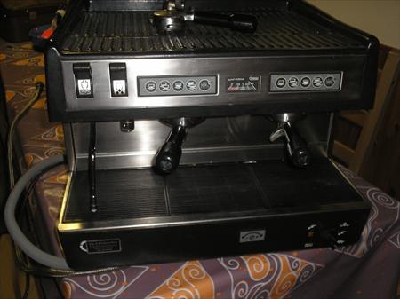 machine caf professionnelle carimali 550 42500. Black Bedroom Furniture Sets. Home Design Ideas