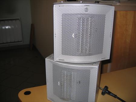 radiateurs eau chaude en ile de france occasion ou destockage toutes les annonces pas cher. Black Bedroom Furniture Sets. Home Design Ideas