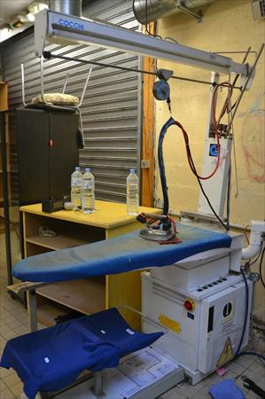 table repasser professionnel pressing cocchi 300. Black Bedroom Furniture Sets. Home Design Ideas