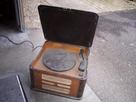 ancien tourne disques philips 57270 uckange moselle lorraine annonces achat vente. Black Bedroom Furniture Sets. Home Design Ideas