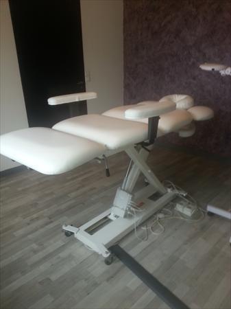 Tables de massage tables de soins en france belgique - Table de massage electrique d occasion ...
