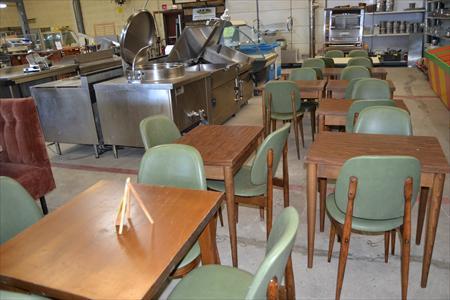 Tables et chaises 10 14200 herouville calvados for Materiel salle restaurant