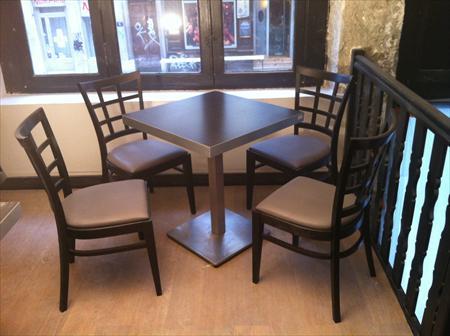 vente de mobilier professionnel pour caf h tel re ton ton france fr 4200 69001 lyon. Black Bedroom Furniture Sets. Home Design Ideas
