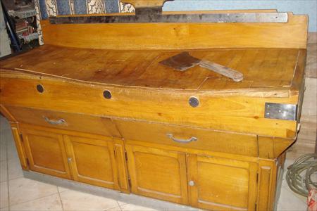 ancien billot de boucher 700 38480 le pont de beauvoisin is re rhone alpes annonces. Black Bedroom Furniture Sets. Home Design Ideas