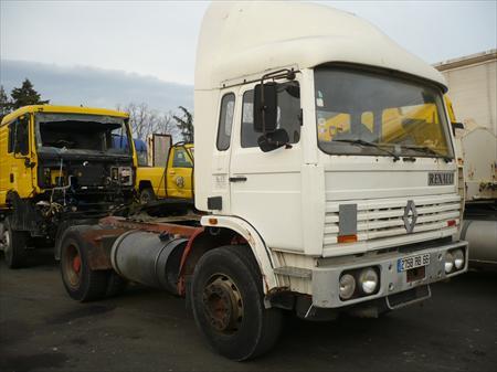 camion tracteur renault 84300 cavaillon vaucluse provence alpes cote d 39 azur annonces. Black Bedroom Furniture Sets. Home Design Ideas