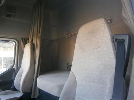 camion remorque fourgon avec parois et toit rigide. Black Bedroom Furniture Sets. Home Design Ideas