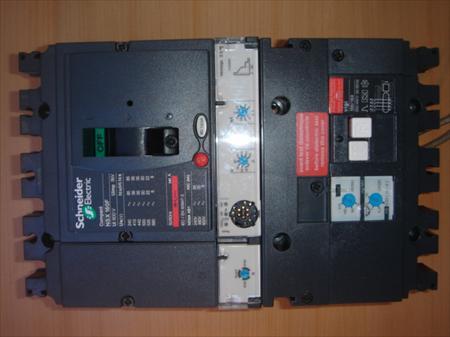 disjoncteur differentiel 160a lv430940 schneider electric 678 32350 ordan larroque gers. Black Bedroom Furniture Sets. Home Design Ideas