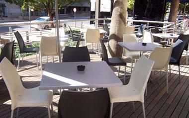 chaises tables pour restaurant 21380 messigny et. Black Bedroom Furniture Sets. Home Design Ideas