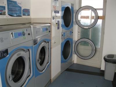 machine laverie auto electrolux 18300 64300. Black Bedroom Furniture Sets. Home Design Ideas
