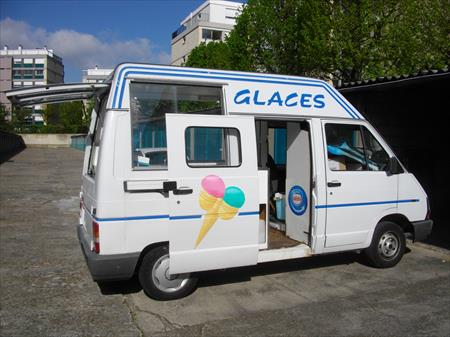 camion de glacier professionnel renault 9000 78100. Black Bedroom Furniture Sets. Home Design Ideas