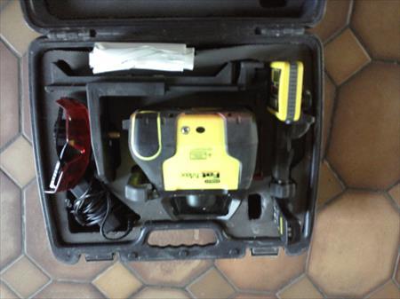 Niveaux lasers tr pieds lunettes optique de chantier en aquitaine occasion - Niveau laser rotatif automatique ...