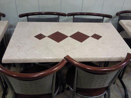 Tables et chaises assortis salle bar restaurant en france - Table et chaise de restaurant a vendre ...