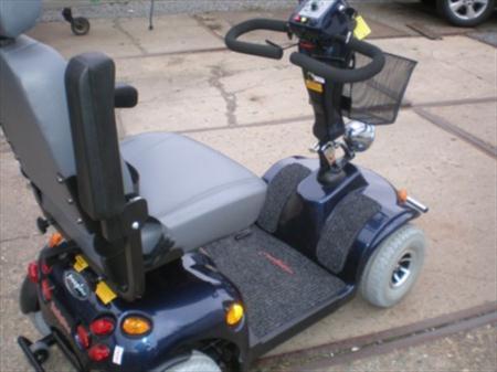 chaise roulante lectrique mobile garant mobiel garant kensington 1700 li ge nord pas. Black Bedroom Furniture Sets. Home Design Ideas