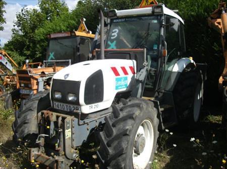 tracteur agricole renault 3000 75011 paris paris ile de france annonces achat vente. Black Bedroom Furniture Sets. Home Design Ideas