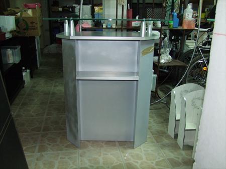Meuble caisse comptoir pour magasin 99 13010 for Comptoir du meuble