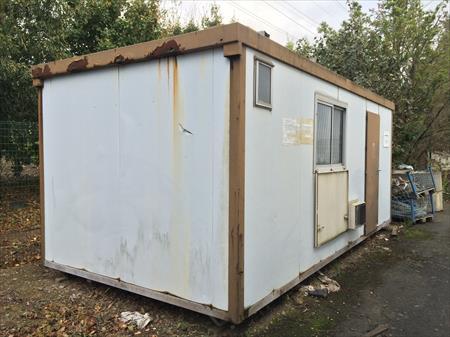 bungalows cabines bureaux sanitaires wc de chantier en midi pyrenees occasion ou destockage. Black Bedroom Furniture Sets. Home Design Ideas