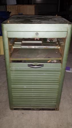 casier metalique a rideau style industriel 80 67120 duttleneim bas rhin alsace. Black Bedroom Furniture Sets. Home Design Ideas