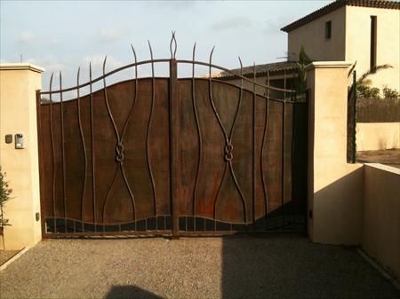 Portail fer forge fer et deco 1350 83600 frejus for Portail jardin pas cher