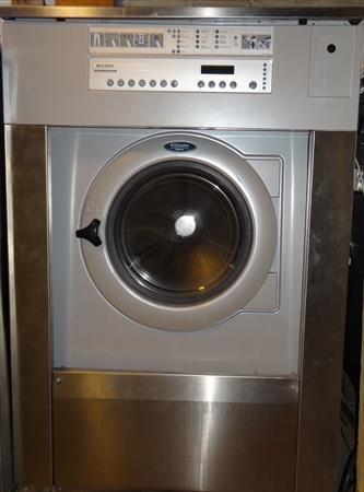 machine laver 18 kg electrolux 3500 92340 bourg la reine hauts de seine ile de france. Black Bedroom Furniture Sets. Home Design Ideas