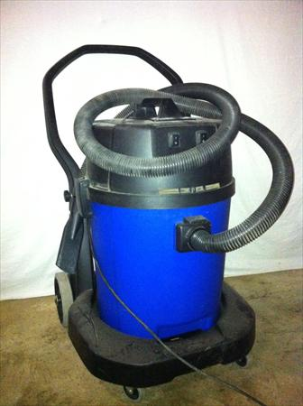 aspirateur eau poussi re nilfisk gwd 350 2 nilfisk alto 250 56100 lorient morbihan. Black Bedroom Furniture Sets. Home Design Ideas