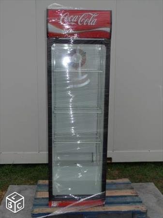 vitrine a boissons coca cola 250 84000 avignon. Black Bedroom Furniture Sets. Home Design Ideas