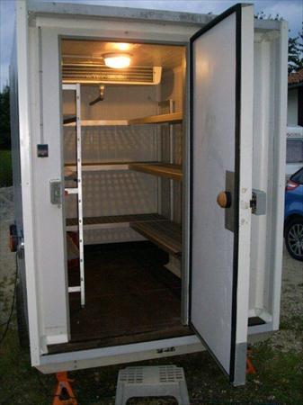 location remorque frigorifique dpts 01 39 71 01560. Black Bedroom Furniture Sets. Home Design Ideas