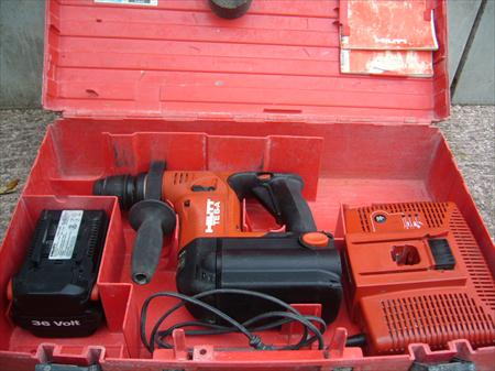 perforateur hilti te 6 a 36 avec 2 batteries hilti 350. Black Bedroom Furniture Sets. Home Design Ideas
