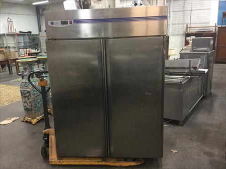 frigo refrigerateur inox 2 portes 1323 litres lufri 900. Black Bedroom Furniture Sets. Home Design Ideas