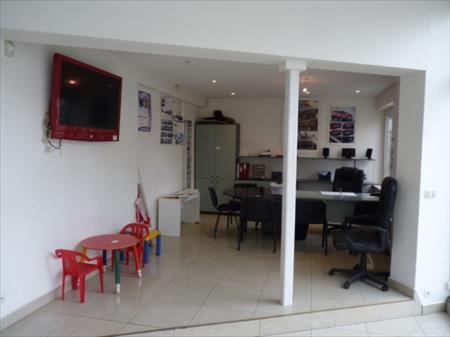bureau showroom 100 uccle nord pas de calais annonces achat vente mat riel. Black Bedroom Furniture Sets. Home Design Ideas