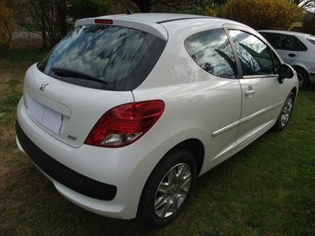Peugeot 207 1 4 hdi 30000km peugeot 6900 26100 for Garage peugeot romans sur isere occasion