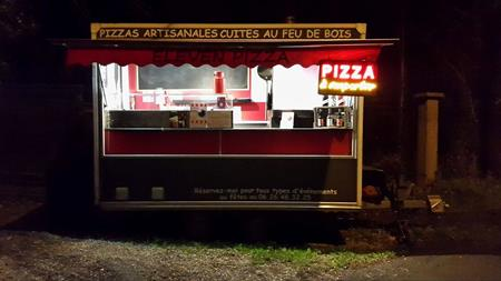 remorque pizzas au feu de bois double essieux 15000. Black Bedroom Furniture Sets. Home Design Ideas