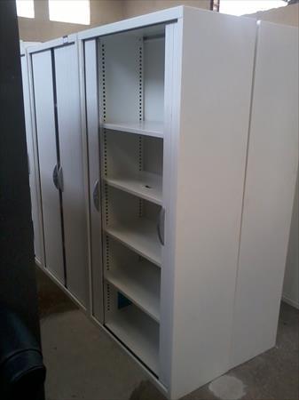 promo armoire haute m tallique clayette blanches 150. Black Bedroom Furniture Sets. Home Design Ideas