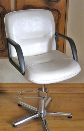chaise fauteuil de coiffeur ancien 100 31000 toulouse haute garonne midi pyrenees. Black Bedroom Furniture Sets. Home Design Ideas