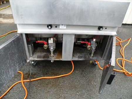 friteuse gaz propane 2 bacs de 40 litres 2900. Black Bedroom Furniture Sets. Home Design Ideas
