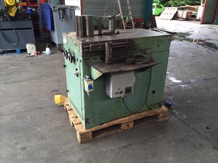 Presse hydraulique horizontale 30 tonnes walter auer for Presse agrume professionnel occasion