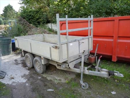transport camions tracteurs routiers remorques etc en nord pas de calais vente aux encheres. Black Bedroom Furniture Sets. Home Design Ideas