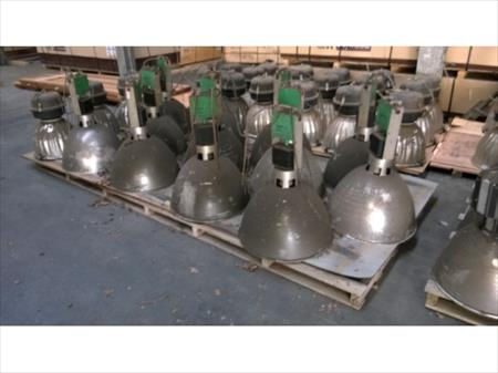 88 clairage industriel sylvania thorn sylvania 1000 for Lampes industrielles d occasion
