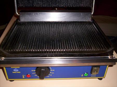 Presse grill a panini metro 320 83230 bormes les mimosas var provence alpes cote d 39 azur - Grill electrique professionnel ...