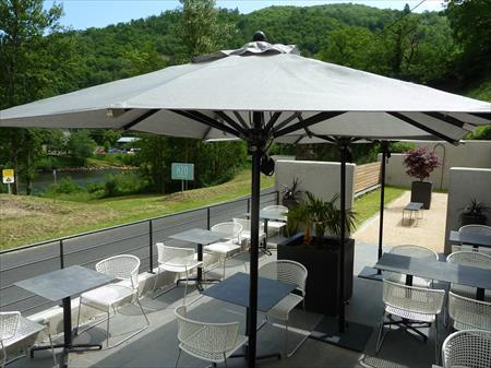 parasols stores de terrasse en france belgique pays bas luxembourg suisse espagne italie. Black Bedroom Furniture Sets. Home Design Ideas