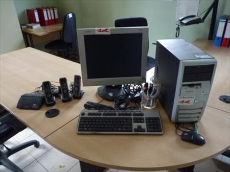 Mobilier de bureau 40 petit roeulx nord pas de for Vente materiel bureau