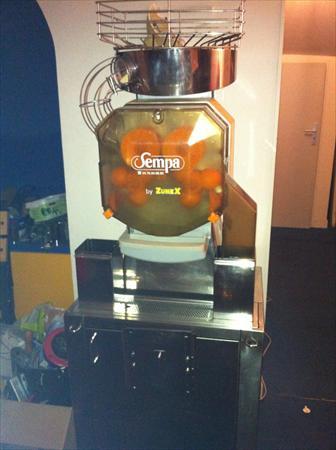 Presse oranges sempa sempa 950 86000 poitiers for Presse agrume professionnel occasion