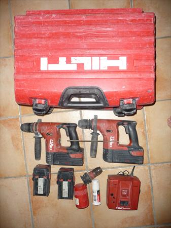 lot hilti 2 perforateur sans fil te 6 a 4 batter hilti. Black Bedroom Furniture Sets. Home Design Ideas