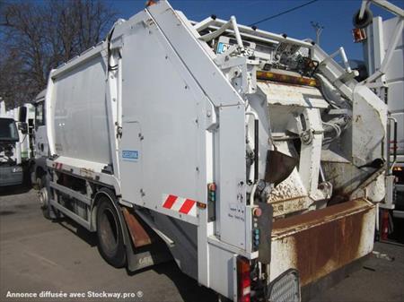 V hicules de voirie et service public en france belgique for Location benne a ordure