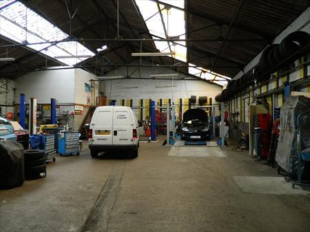 Garages centres auto carrosserie en france belgique pays for Franchise garage mecanique