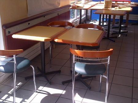 Tables et chaises assortis salles bar restaurant en ile de - Table et chaise de restaurant a vendre ...