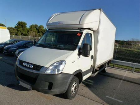 iveco 35c15 caisse 22m3 hayon 750 kg an iveco. Black Bedroom Furniture Sets. Home Design Ideas