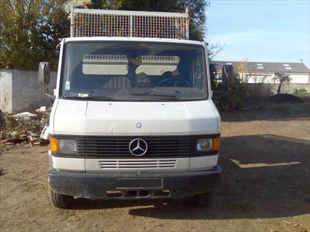 Mercedes 609 d benne 3t500 vl mercedes 609 benne 44710 for Garage mercedes pellouailles les vignes