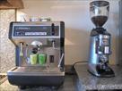 MACHINE À CAFÉ PROFESSIONNELLE À 1 GROUPE + MOULIN