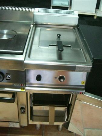 friteuses gaz sur coffre pro en france belgique pays bas. Black Bedroom Furniture Sets. Home Design Ideas